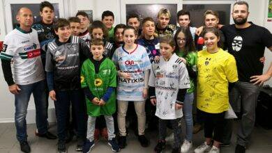 Photo of BELLEGARDE-BEAUCAIRE Clubs pros solidaires, jeunes rugbymen très fiers