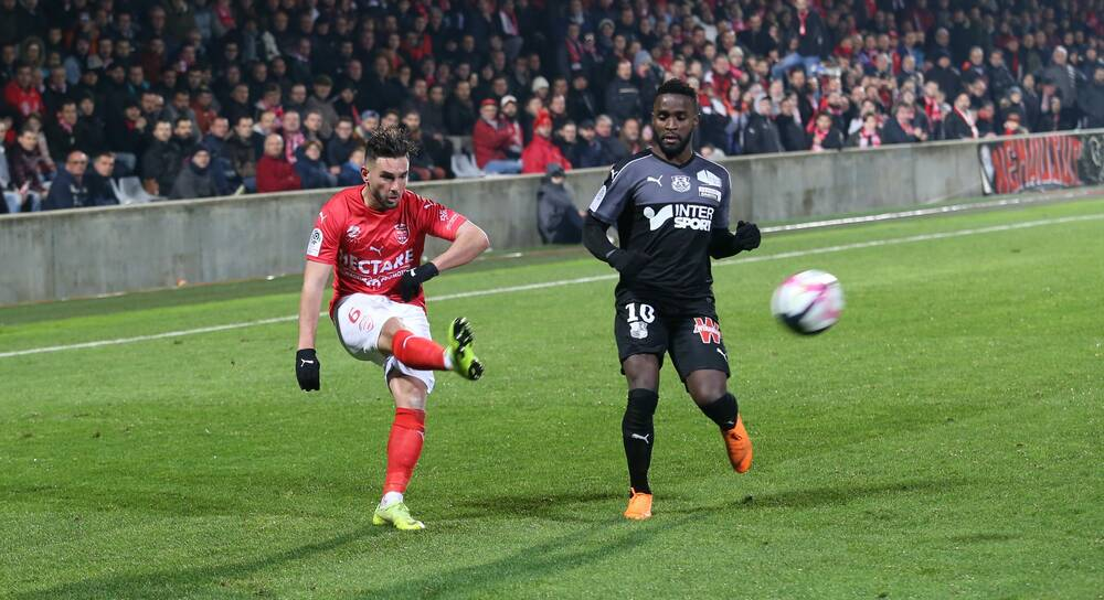 COUPE DE FRANCE -. ÉDITION 2018-2019. N%C3%AEmes-Olympique-SC-Amiens-Photo-Anthony-Maurin-4-e1544472621872