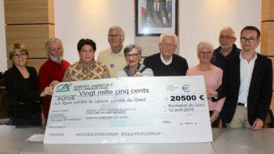 Photo of DIMANCHE VILLAGES Rochefort-du-Gard remet 20 500 euros à la Ligue contre le cancer