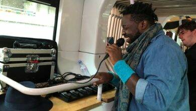 Photo of VIDÉO Quand le beatboxer Sly Johnson se produit… dans le Tram'Bus