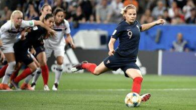 Photo of FOOTBALL Le Sommer et les Bleues assomment l'Islande