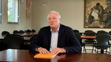 Photo of DIMANCHE MUNICIPALES Aux Angles, le maire Jean-Louis Banino repart face à personne