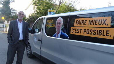Photo of MUNICIPALES À Alès, Fabien Gabillon présente sa « Gabi'mobile »