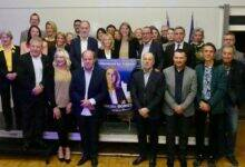 Photo of MUNICIPALES À Villeneuve, Pascale Bories joue la continuité